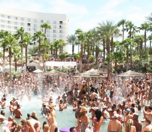 32773-4403-pool-party-las-vegas