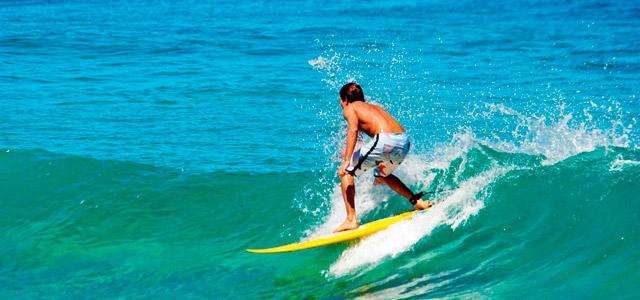 surf-praia-de-cambu-zarpo-magazine